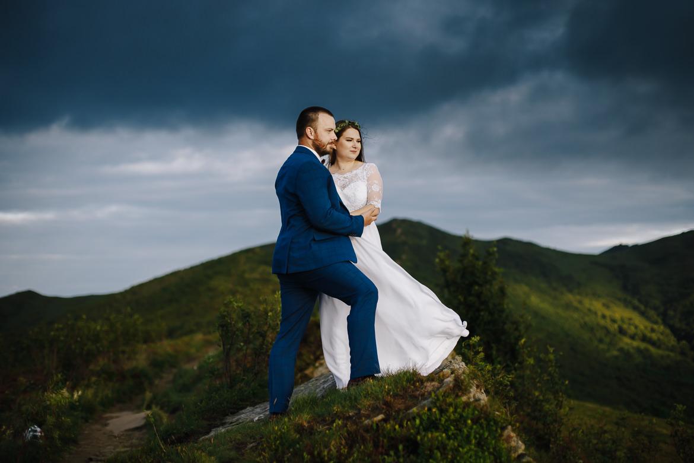 sesja ślubna w bieszczadach, bukowe brdo